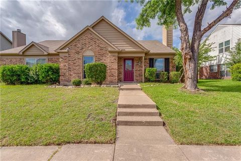 Photo of 7607 Calypso Dr, Rowlett, TX 75088