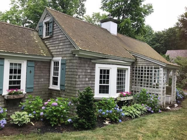 Astounding 399 Quissett Ave Falmouth Ma 02540 Home For Rent Home Interior And Landscaping Ymoonbapapsignezvosmurscom