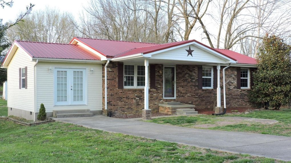 121 Evergreen Ct, Mount Sterling, KY 40353