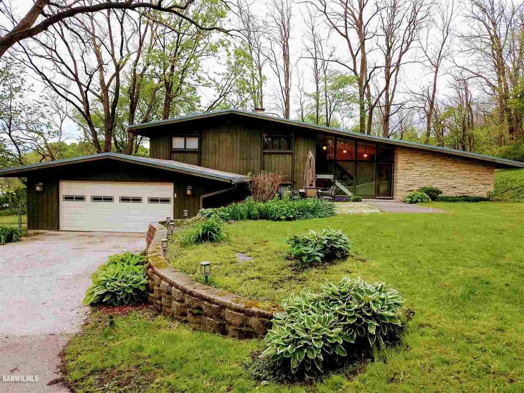 115 W Franklin St Mount Carroll, IL 61053