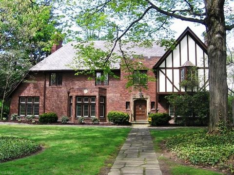 Photo of 2914 Attleboro Rd, Shaker Heights, OH 44120