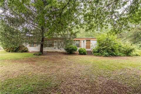 Photo of 6936 Us Highway 158, Stokesdale, NC 27357