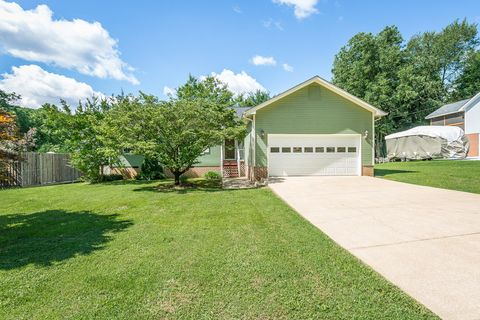Photo of 608 Courtney Ln, Chattanooga, TN 37415