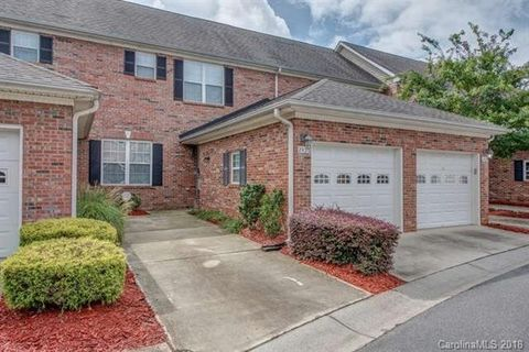 2426 Madeline Meadow Dr, Charlotte, NC 28217