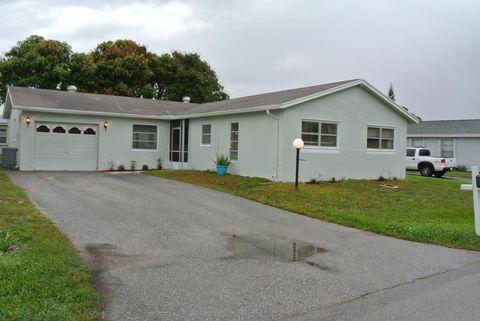 7095 Pine Bluff Dr, Lake Worth, FL 33467