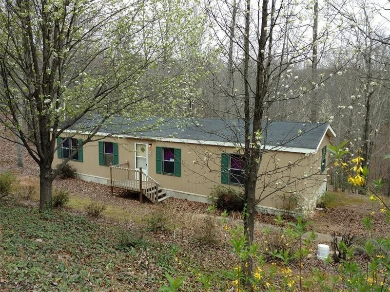 3214 Paradise Valley Rd, Cleveland, GA 30528