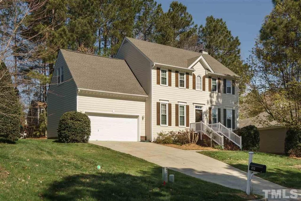 212 Caniff Ln, Cary, NC 27519