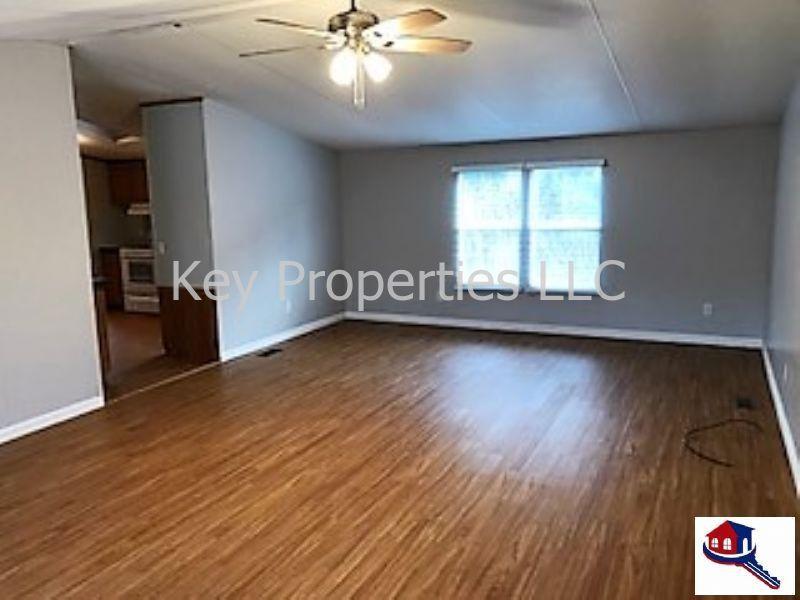 255 Foster Rd, Lenoir City, TN 37771