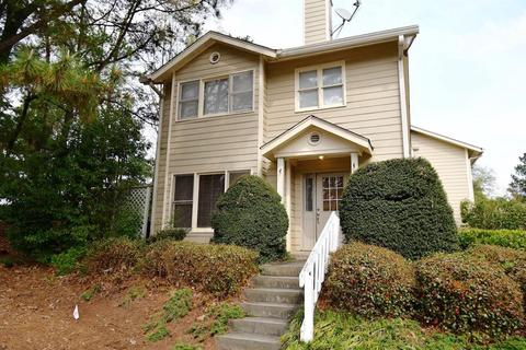 217 Peachtree Hollow Ct, Atlanta, GA 30328