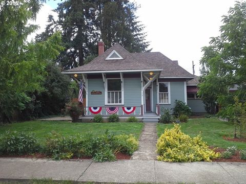 119 N L St, Cottage Grove, OR 97424