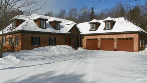 Photo of 32 River Rd, Waterville Valley, NH 03215