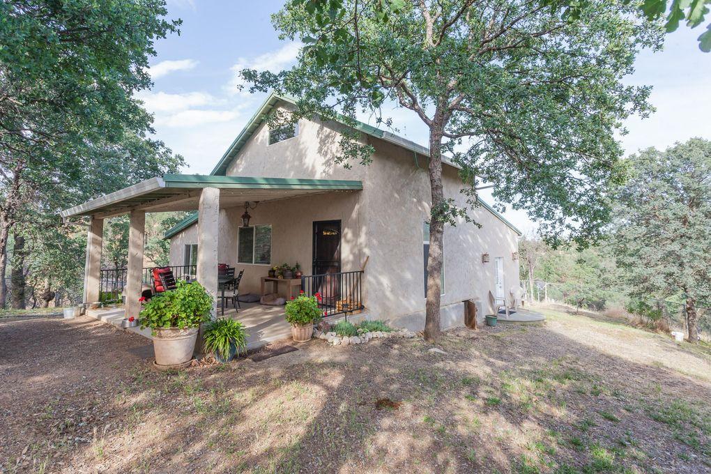 14850 Small Farms Dr, Igo, CA 96047