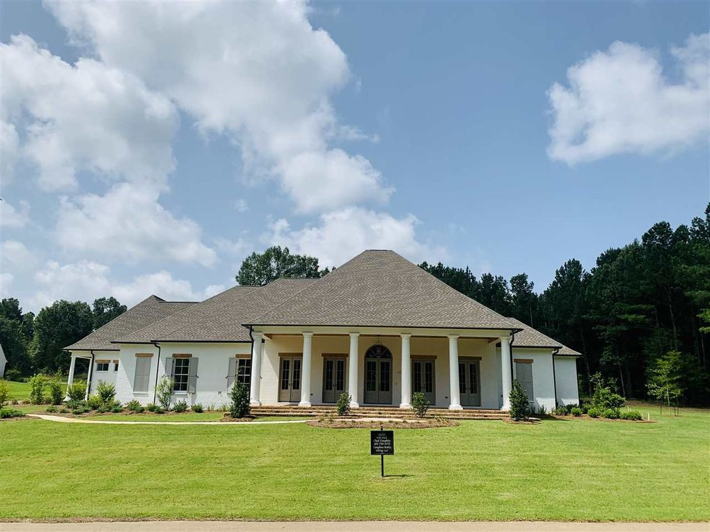 Surprising 115 Hidden Oaks Trl Ridgeland Ms 39157 Home Interior And Landscaping Ologienasavecom
