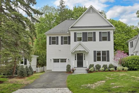 30 Lockwood Dr, Old Greenwich, CT 06870