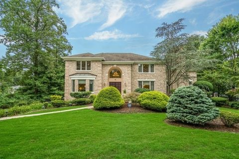 25 3rd St, Park Ridge, NJ 07656