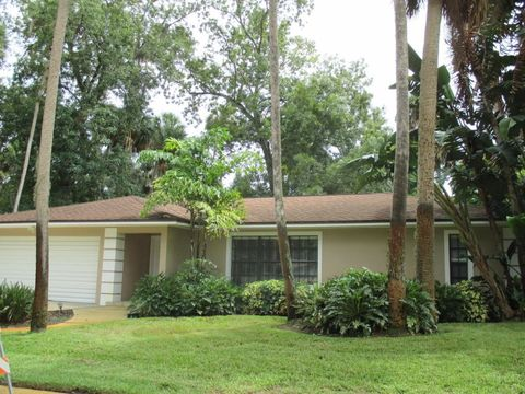 1985 King Richard Dr, Titusville, FL 32796