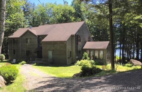Photo of 192 Hill Top Rd, Chesterville, ME 04938