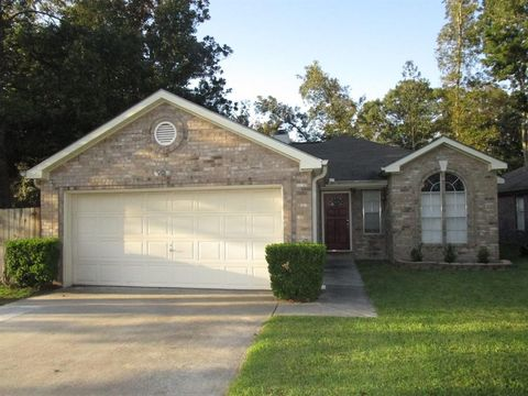 595 Mosswood Dr, Conroe, TX 77302