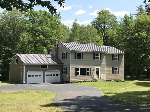 Photo of 71 Thundercastle Rd, Readfield, ME 04355