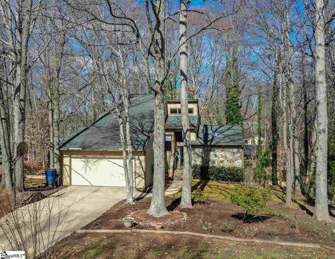 Photo of 224 Hunters Woods Dr, Simpsonville, SC 29680