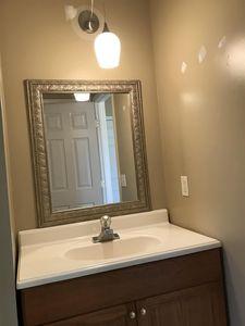 1121 Park St Westmoreland Tn 37186 Bathroom