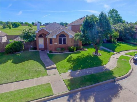 Photo of 1605 Woodmont Ave, Rowlett, TX 75089