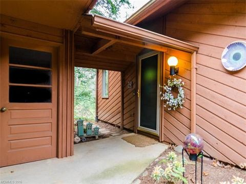 511 Woodfield Dr, Asheville, NC 28803
