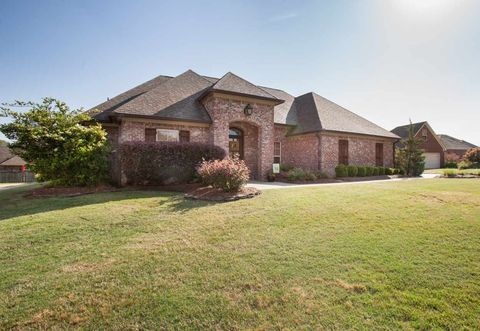 100 Meadow Woods Ct, Canton, MS 39046