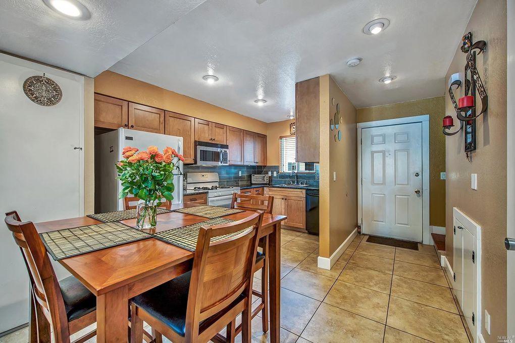 633 Olive St, Santa Rosa, CA 95407