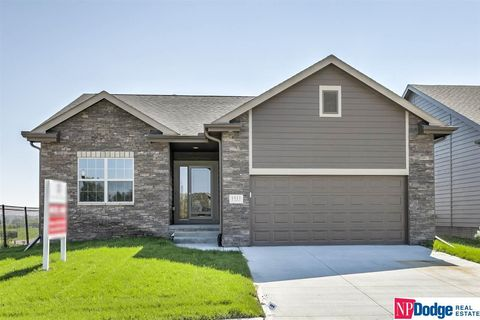 Photo of 17418 Potter St, Bennington, NE 68007