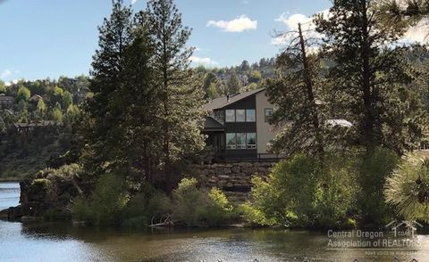 Photo of 2544 Nw Rippling River Ct, Bend, OR 97703