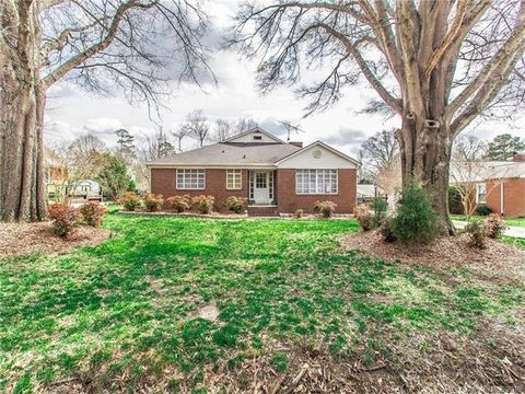 27 Wilshire Ave Sw, Concord, NC 28025