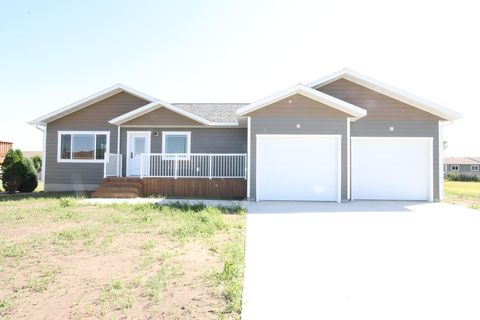 Photo of 910 Ne 29th Ave, Aberdeen, SD 57401