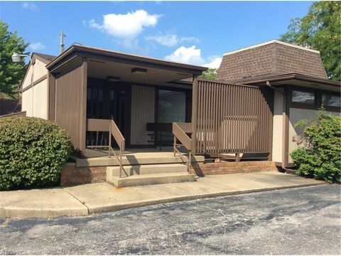 4810 Mahoning Ave, Austintown, OH 44515