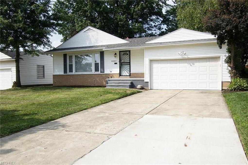 23557 Hillcroft Dr, Warrensville Heights, OH 44128