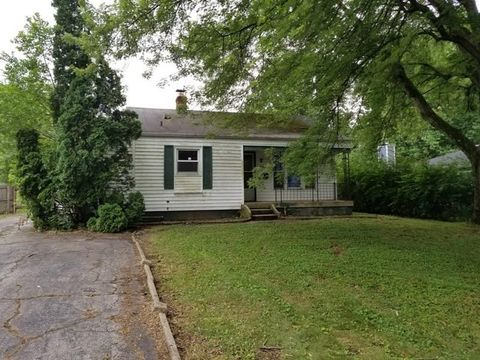 Photo of 6843 Hillside Ave, Indianapolis, IN 46220