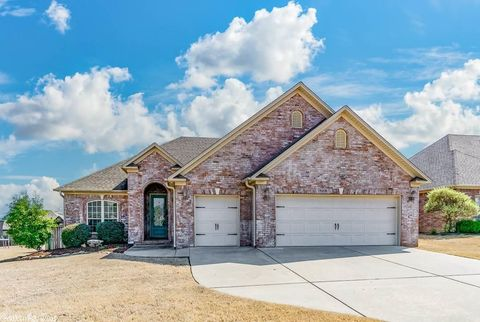Photo of 1060 Georgetown Dr, Conway, AR 72034