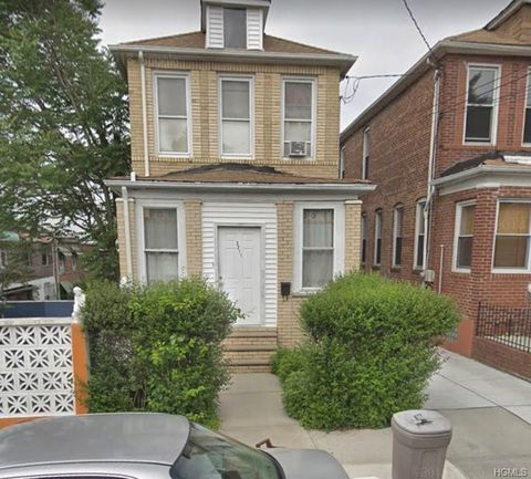 Photo of 3211 Fenton Ave, Bronx, NY 10469