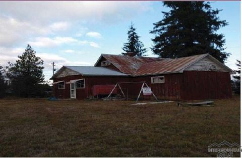 Photo of 205 Woods Rd, Weippe, ID 83553