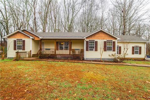 Photo of 945 Homer Rd, Woodstock, GA 30188