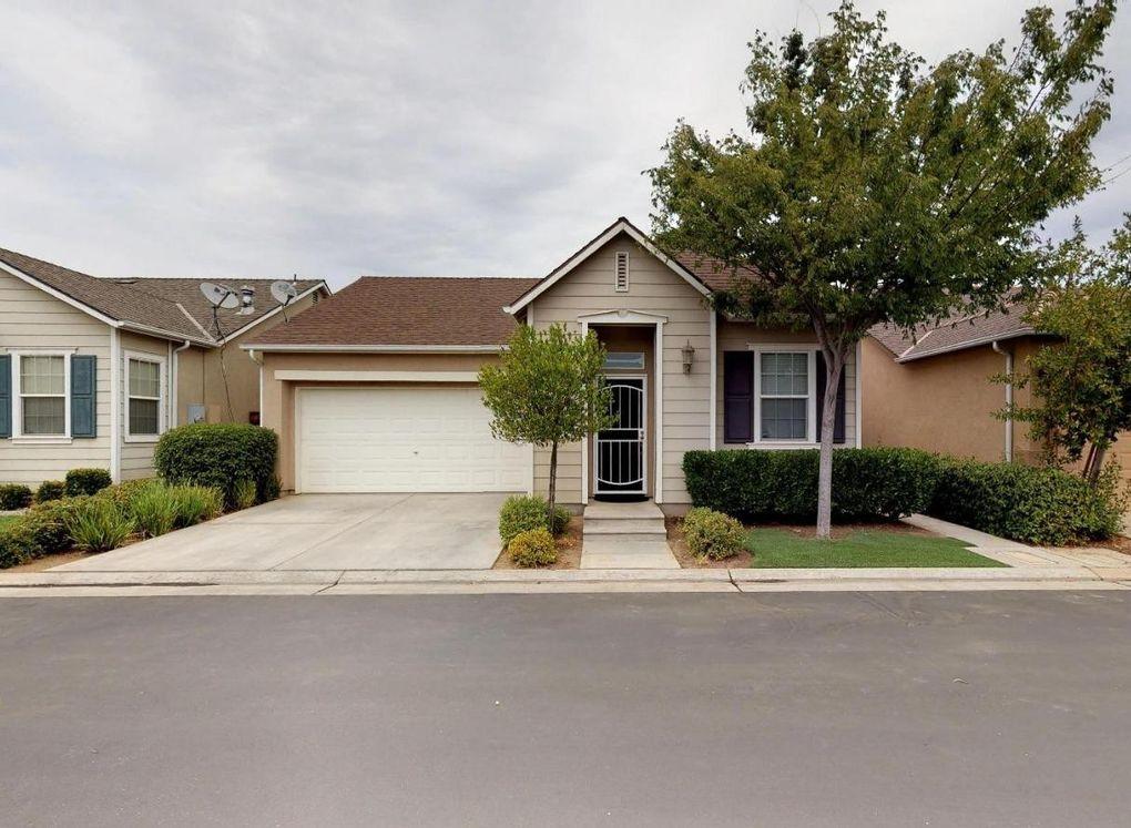 3758 W Persimmon Ln Fresno, CA 93711