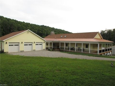 906 Camp Run Rd, West Union, WV 26456