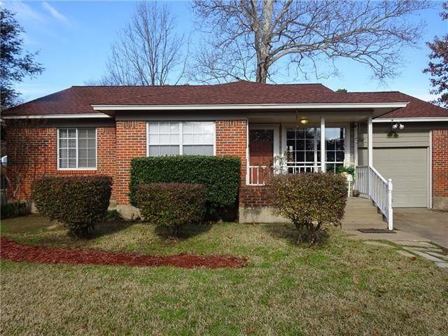 1700 Oak Tree Ln Arlington, TX 76013