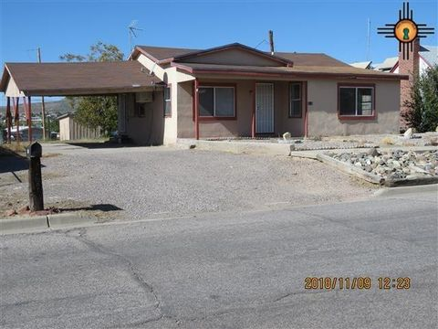 Photo of 712 N Silver St, Truth or Consequences, NM 87901