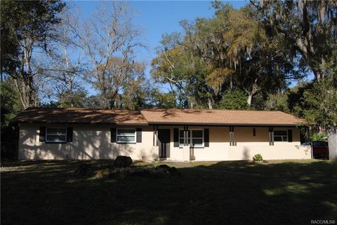 Photo of 2100 Nw 15th Ave, Crystal River, FL 34428