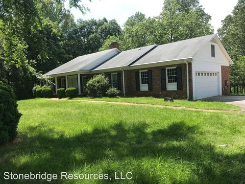 Photo of 1634 Scalesville Rd, Summerfield, NC 27358