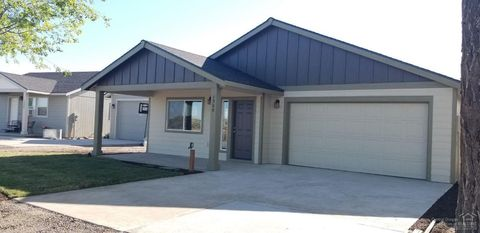 Photo of 1306 Nw Seehale Ave, Prineville, OR 97754