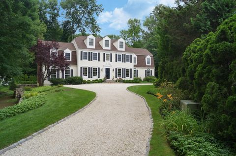 54 Scofield Ln, New Canaan, CT 06840