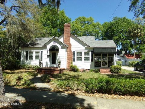 Photo of 2105 North St, Beaufort, SC 29902
