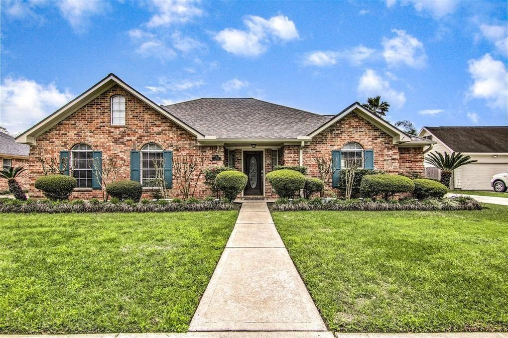 2705 Janet Ct, Pearland, TX 77581